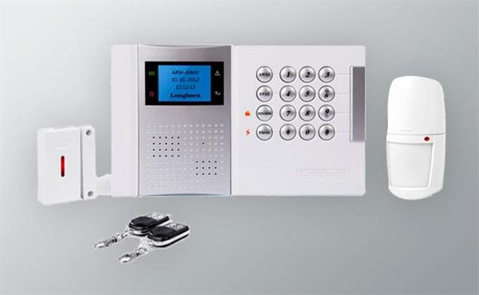 Simple Safe is a comprehensive system capable of meeting a full range of security requirements, with hard-wired or radio systems, to bring you top-flight performance from detection, to signalling, to integration with other systems, all at the service of the user.